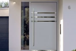 Residential door with intersash panelling