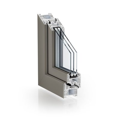 The new surface variant is available in the KÖMMERLING 76 centre seal system as well as in the residential door version of the KÖMMERLING 76 double seal program.